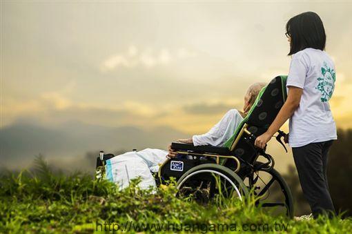 養老院、照顧、老人、陪伴、看護(圖/Pixabay) ID-1738066